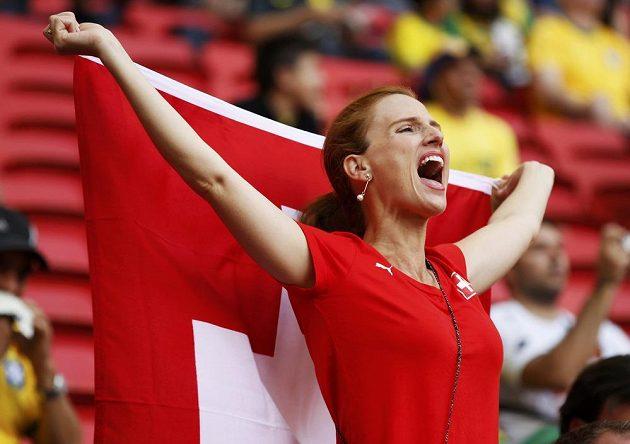 Ani švýcarské fanynky si nenechaly ujít vystoupení svých fotbalistů na šampionátu v Brazílii.