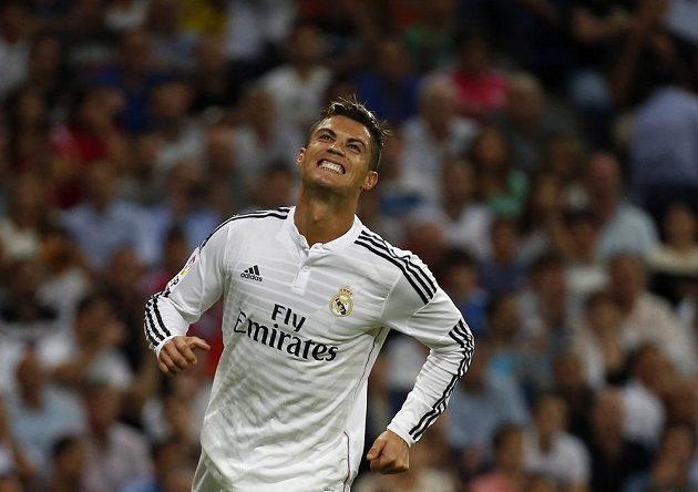 Cristiano Ronaldo po jedné z neproměněných šancí v duelu s Atlétikem Madrid.