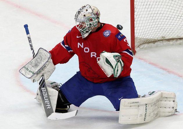 Norský brankář Lars Volden při utkání s Českem.