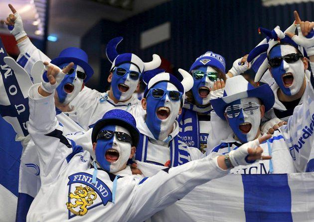 Finští fanoušci během utkání proti USA na MS v Ostravě.