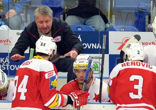 Trenér hokejistů Slavie Dušan Gregor během duelu v Brně.