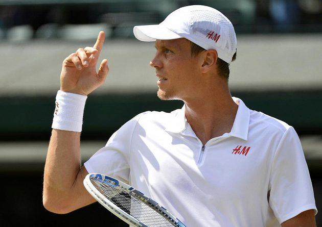 Tomáš Berdych v utkání 3. kola Wimbledonu.