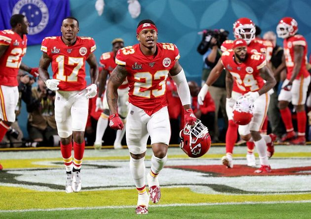 Armani Watts z Kansas City Chiefs po vítězství v Super Bowlu.