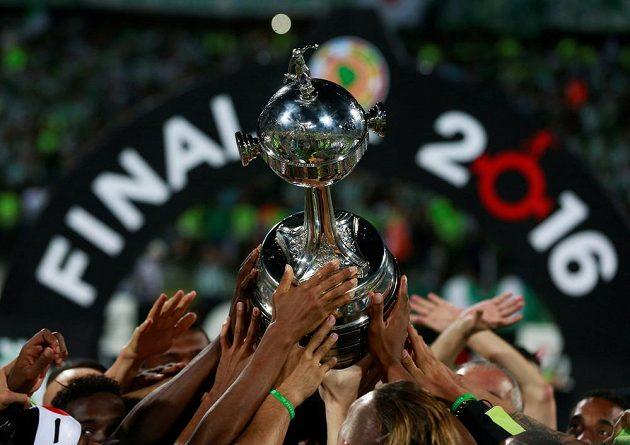 Úchvatná trofej pro jihoamerické šampióny.