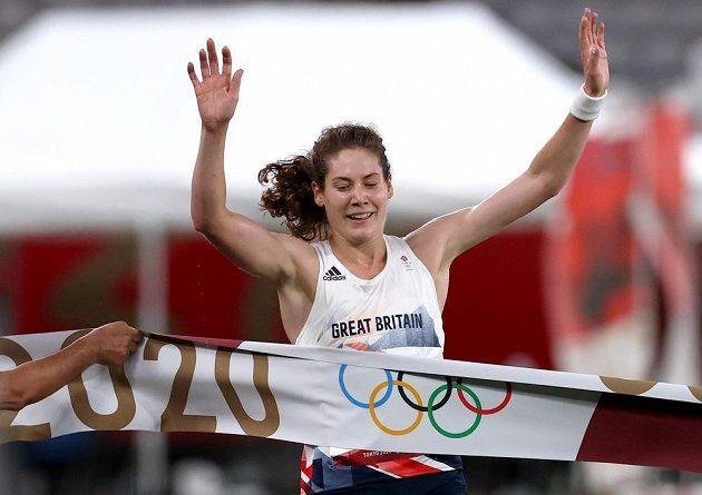 Olympijskou vítězkou v moderním pětiboji se v Tokiu stala Britka Kate Frenchová