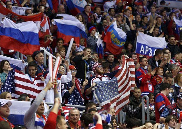 Fanoušci v hale Bolšoj viděli napínavý zápas mezi Ruskem a USA.