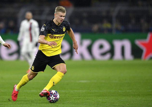 Dortmundský Erling Braut Haaland v akci během zápasu Ligy mistrů s PSG.