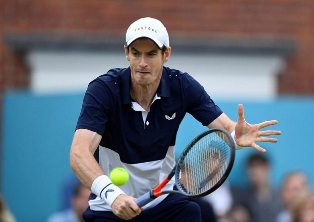 Soustředěný britský tenista Andy Murray se vrátil na kurty po pěti měsících.