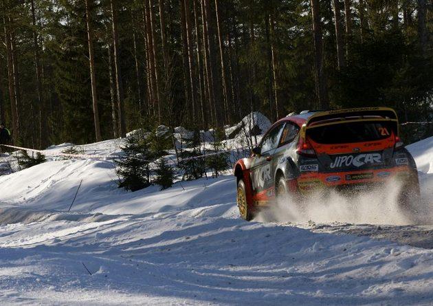 Martin Prokop s Fordem Fiesta WRC na trati Švédské rallye.