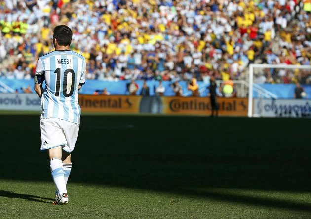 Argentinec Lionel Messi v osmifinálovém duelu MS se Švýcarskem.