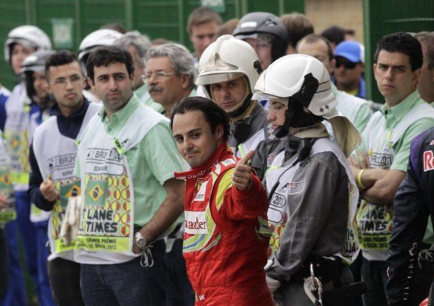 Loučení Felipeho Massy s týmem Ferrari získalo hořkou příchuť.