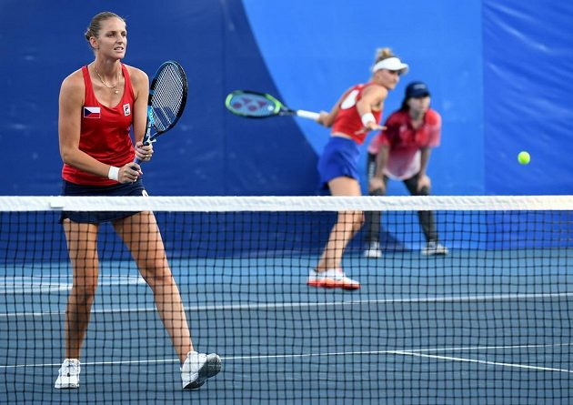 Karolína Plíšková a Markéta Vondroušová v zápase prvního kola