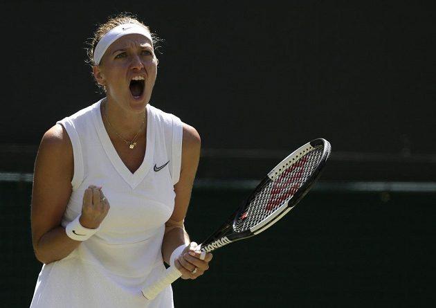 Dvojnásobná šampionka Petra Kvitová je po výhře nad Kristinou Mladenovicovou z Francie 7:5, 6:2 po čtyřech letech ve 3. kole tenisového Wimbledonu