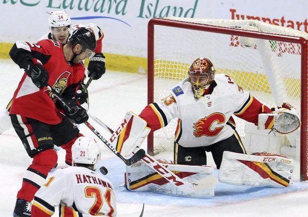 Hokejový brankář David Rittich dělal v brance Calgary Flames co mohl a nakonec se s Plameny těšil z výhry v Ottawě. Slovák Gáborík na něj nevyzrál.