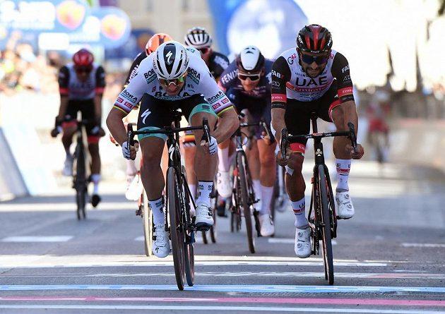 Slovenská hvězda v akci. Cyklista Peter Sagan vyhrál 10. etapu na Giru d'Italia.