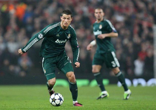 Cristiano Ronaldo v dresu Realu Madrid v zápase proti Manchesteru United.