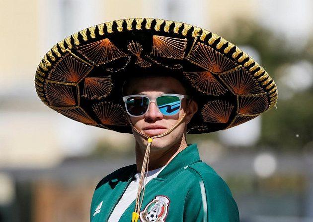 Pokud máte lístek na zápas Mexika, je dost možné, že vám bude ve výhledu zaclánět nějaké to sombrero.