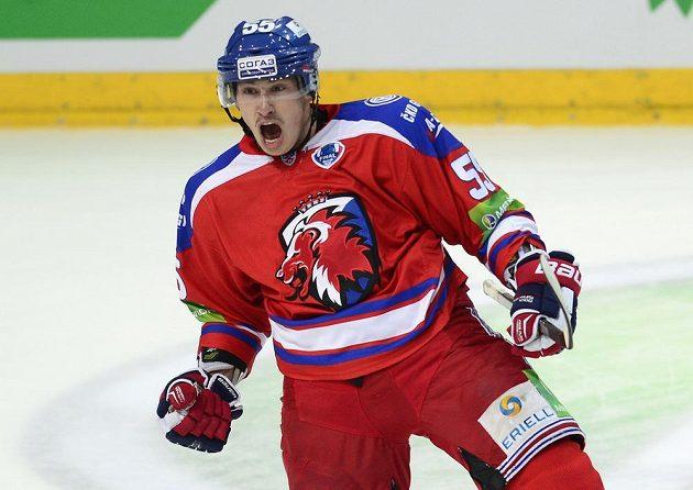 Obránce Lva Martin Ševc se raduje z gólu.