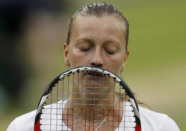 Výraz Petry Kvitové v prohrané čtvrtfinálové bitvě ve Wimbledonu hovoří za vše.