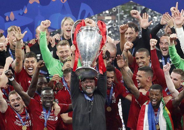 Manažer Liverpoolu Jürgen Klopp se dočkal a zlomil finálové prokletí. S Liverpoolem vyhrál finále Ligy mistrů.