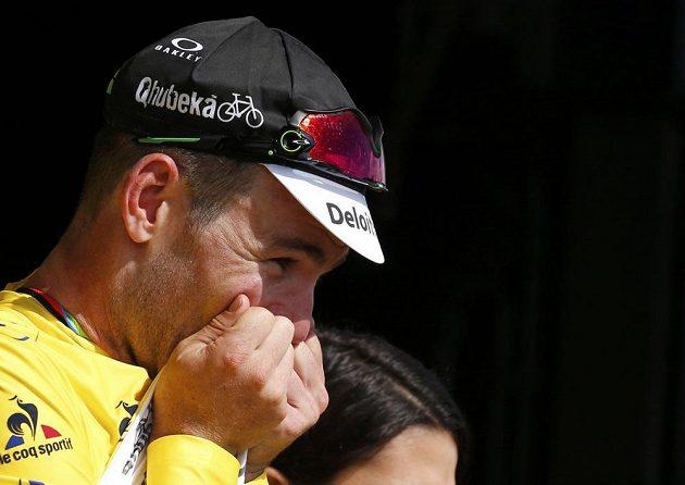 Radující se Mark Cavendish po vítězství v úvodní etapě Tour de France.