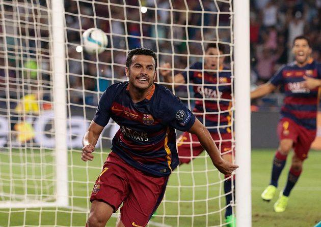 Útočník Pedro Rodríguez (na snímku) zařídil Barceloně pět minut před koncem prodloužení se Sevillou zisk Superpoháru UEFA.