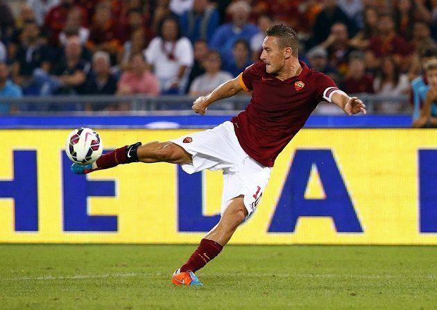 Kanonýr Francesco Totti z AS Řím se prosadil i v ligovém duelu s Chievem.