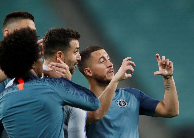 Dobrá nálada Edenu Hazardovi před finále Evropské ligy nechybí. Chelsea prý souhlasí s jeho odchodem do Realu Madrid.
