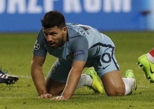 Sergio Aguero z Manchesteru City poté, co neproměnil velkou šanci.