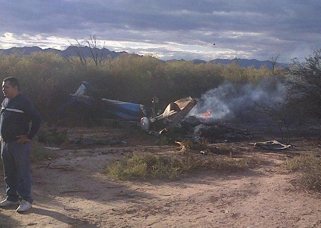 Z havarovaného vrtulníku zbylo jen torzo.