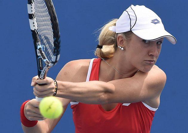 Česká tenistka Denisa Allertová v zápase 1. kola Australian Open proti Švýcarce Romině Oprandiové.