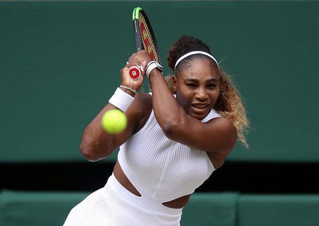 Serena Williamsová v prvním setu těžko hledala na soupeřku zbraň