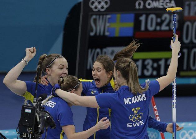 Švédské curlerky porazily ve finále olympijského turnaje v Pchjongčchangu 8:3 domácí Koreu.