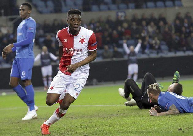 Ibrahim-Benjamin Traoré ze Slavie pohodlně poslal míč do sítě a mohl se radovat.
