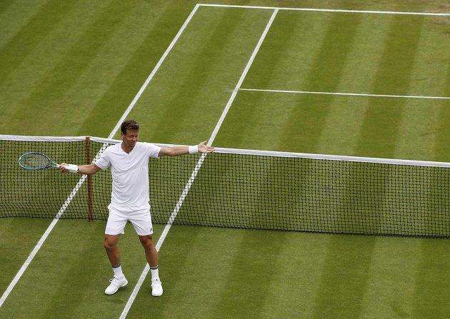 Reakce Tomáše Berdycha během prvního kola Wimbledonu.