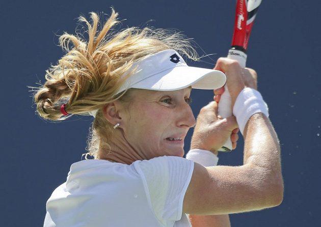 Ruská tenistka Jekatěrina Makarovová ve čtvrtfinálovém duelu US Open s Běloruskou Viktorií Azarenkovou.