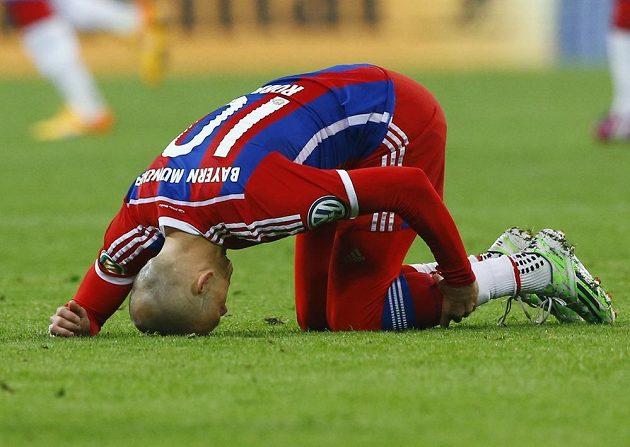 Mnichovský Arjen Robben semifinálový zápas Německého poháru s Dortmundem nedohrál.