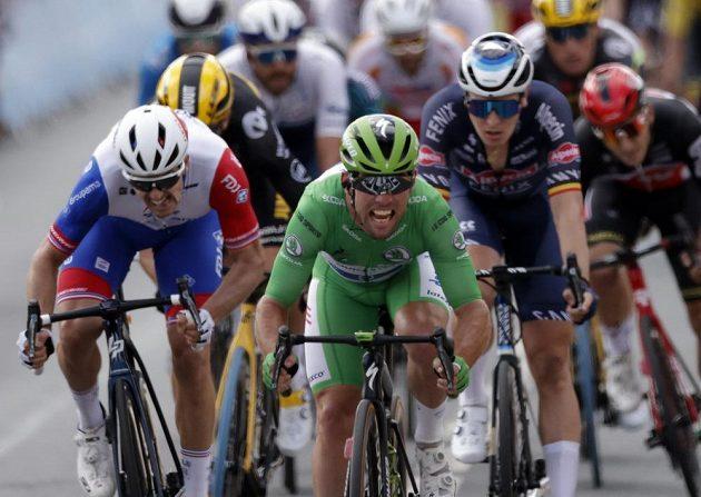 32. etapový triumf na Tour de France. Britský cyklista Mark Cavendish vyhrál druhou spurtérskou etapu za sebou.
