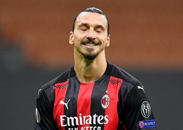 Zlatan Ibrahimovic z AC Milán po neproměněné penaltě proti Spartě.