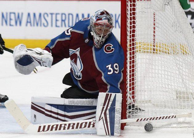Brankář Pavel Francouz během utkání s New Yorkem Islanders.
