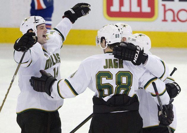 Jaromír Jágr a spol. si užívají vítězství nad Edmontonem.