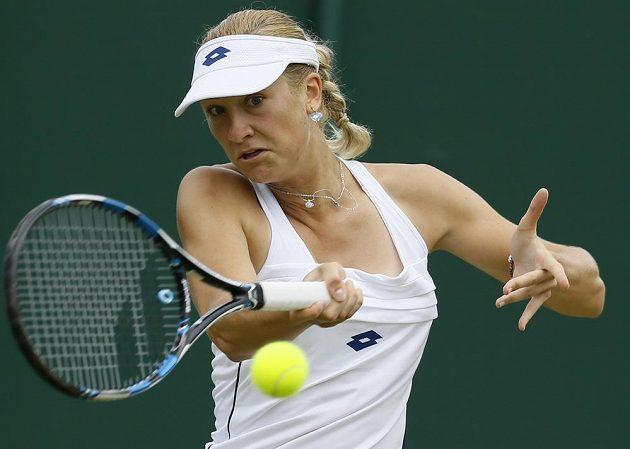 Denisa Allertová v utkání 2. kola Wimbledonu.