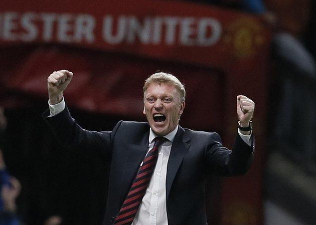 David Moyes, manažer Manchesteru United, se raduje z gólu proti Liverpoolu v utkání Anglického ligového poháru.