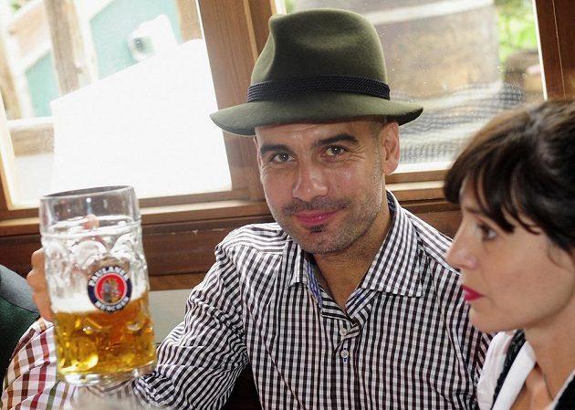 Trenér Bayernu Mnichov Josep Guardiola na Oktoberfestu.