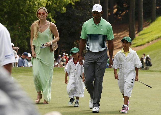 Tiger Woods, jeho přítelkyně i slavná lyžařka Lindsey Vonnová (vlevo) a děti amerického golfisty, dcera Sam (vpravo) a syn Charlie.