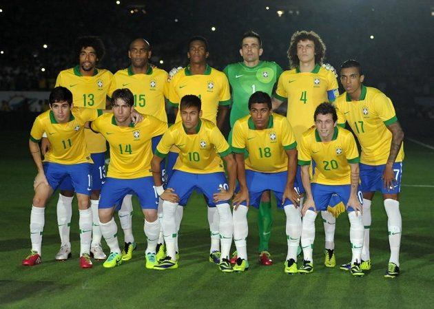 Brazilci budou před vlastními fanoušky útočit na rekordní šestý titul mistrů světa.