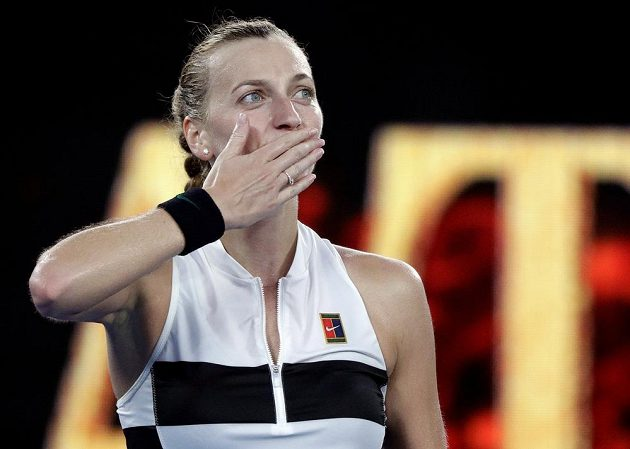 Je to tam, Petra Kvitová postoupila do semifinále Australian Open.