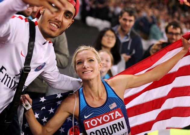 Zlatá medailistka ze závodu na 3000 m překážek Emma Coburnová.