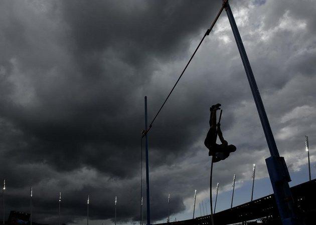 Mračna nad atletickým stadiónem v Curychu.