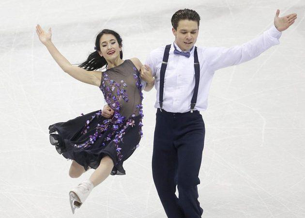 Český taneční pár Cortney Mansourová, Michal Češka skončil na mistrovství Evropy v Bratislavě třináctý.